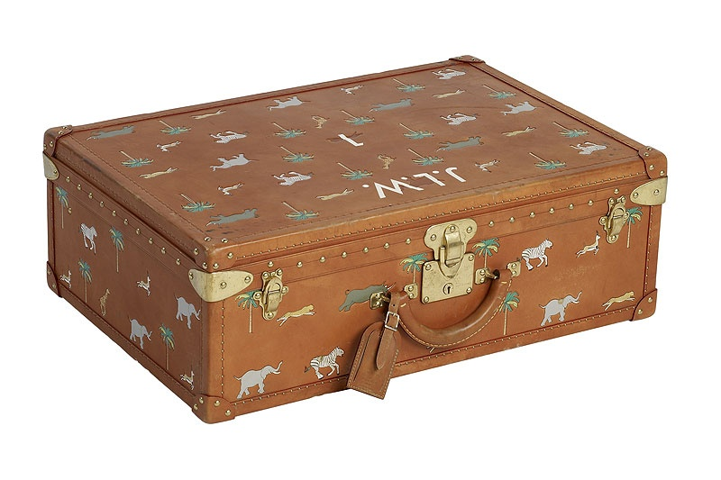 """ The Darjeeling Limited: Luggage by Louis Vuitton "" より"